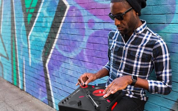 DJ Numark scratch scratching vinyl records decks dj producer