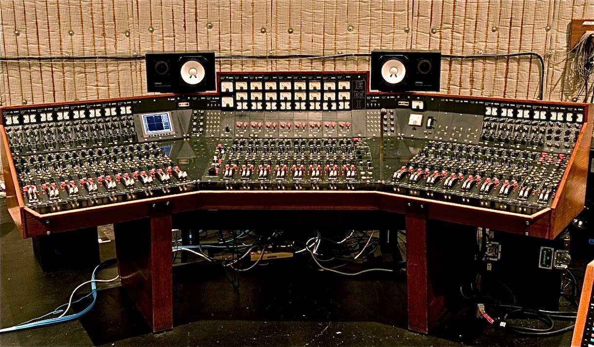 guess how much abbey road 39 s recording console used by pink floyd beatles more sold for. Black Bedroom Furniture Sets. Home Design Ideas