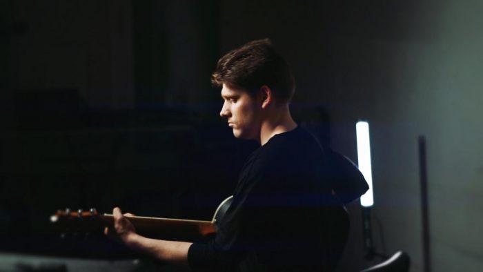 Justinas 3 band music video review pop indie rock ballad