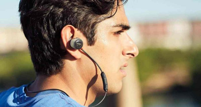 Bose SoundSport Pulse wireless earbuds earphones cyber monday deals discount