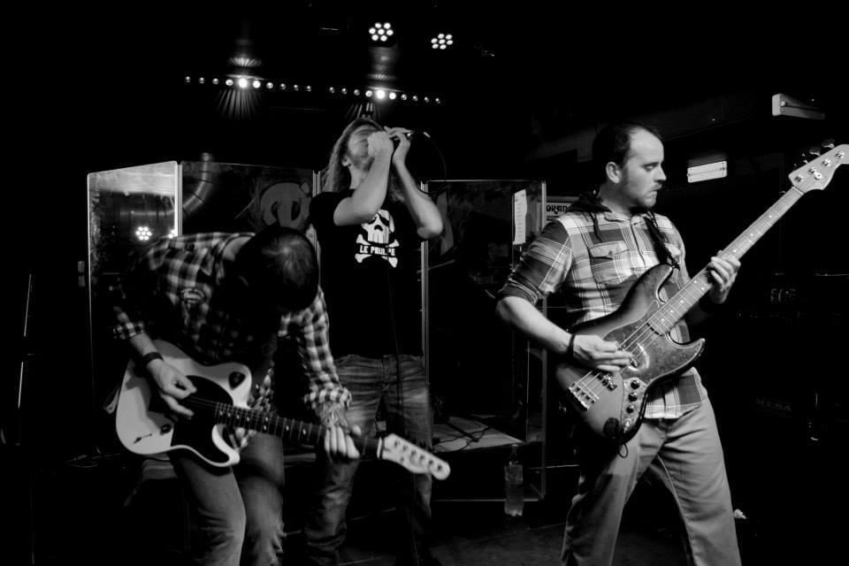 Nevercold metal play live