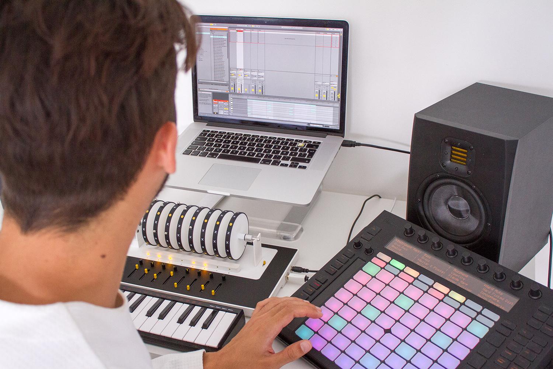 samples sequencer XOXX Composer Music Box
