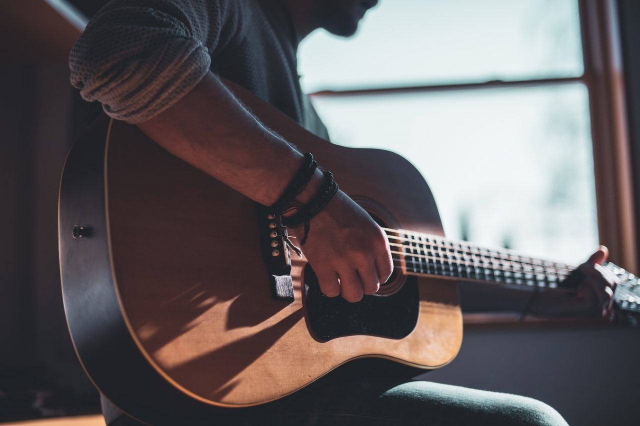 Learn guitar whilst isolated at home with free lessons, tips, and tricks  for beginners to pros - RouteNote Blog